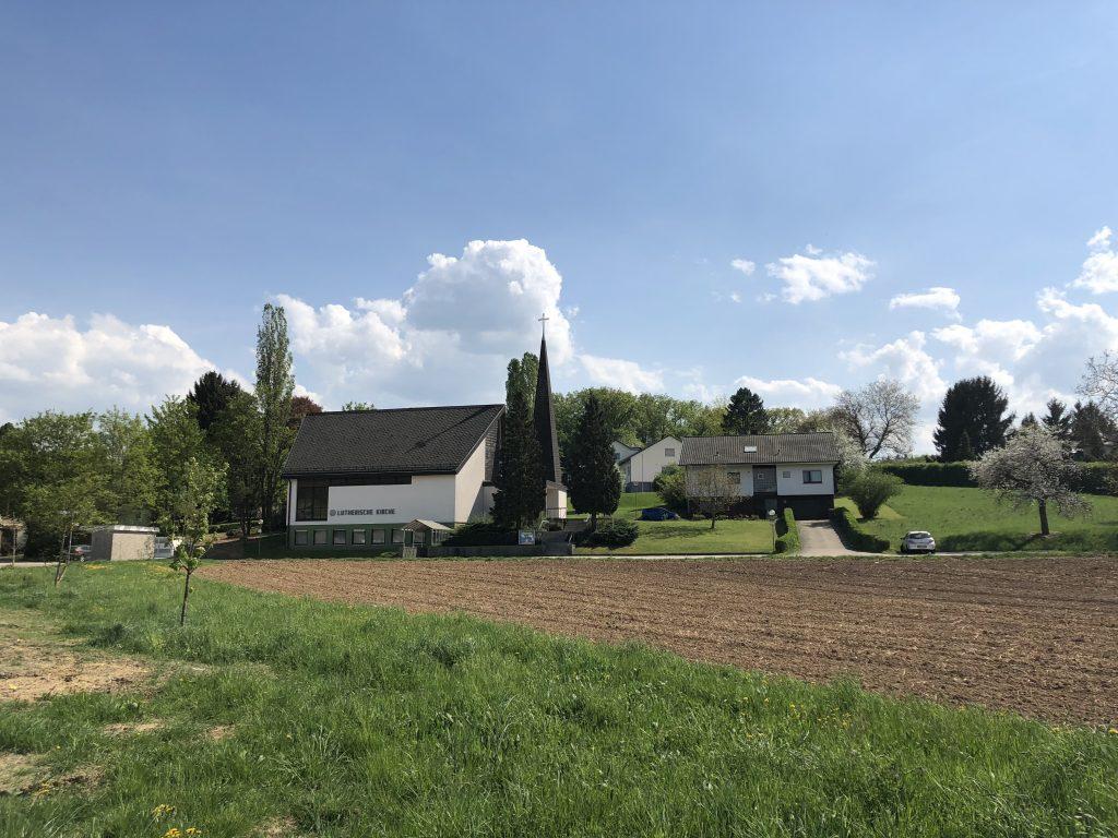 Kirche und Pfarrhaus